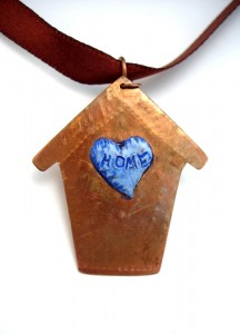 Back of pendant - Home Heart